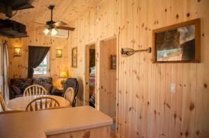 Cabin 0 Fox - breakfast bar