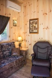 Cabin 0 Fox - Living area