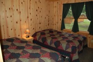 Cabin 2 Walleye - queen & twin