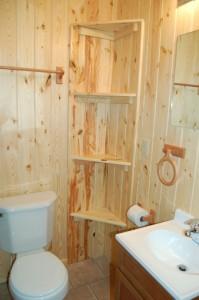 Cabin 4 Ladyslipper - full bath