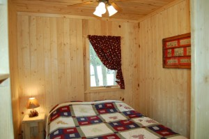 Cabin 7 Loon - queen lakeside