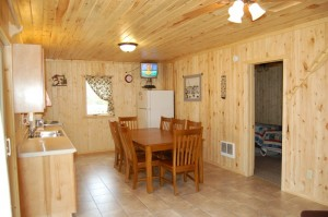 Cabin 7 Loon - kitchen/dining