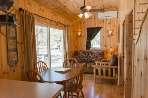 Cabin 1 Hummingbird - dining