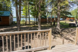Cabin 1 Hummingbird - lake & campfire