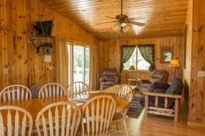 Cabin 10 Moose - dining