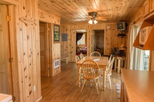 Cabin 3 Bear - dining entry