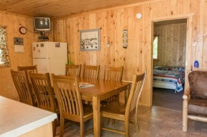 Cabin 7 Loon - dining