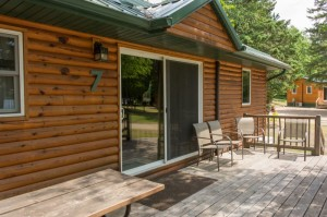 Cabin 7 Loon - deck