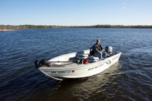 16.5ft Alumacraft Escape 40hp Yamaha tiller